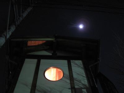 野呂邸の満月.jpg